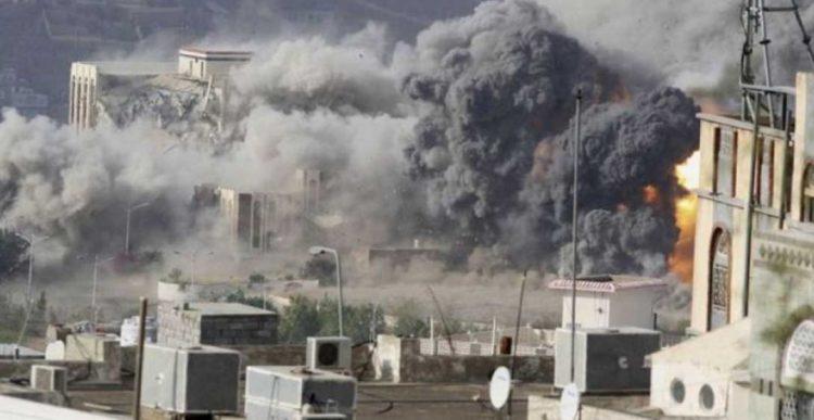 في جريمة لم يسبق لها مثيل في تاريخ الحروب.. مليشيا الحوثي تعدم أسرة كاملة بينهم اطفال رضع بحجور