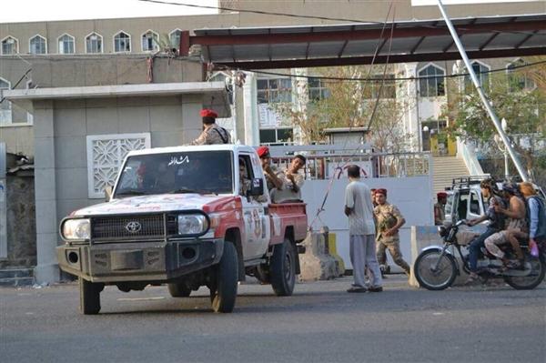 مقتل جندي في اللواء 22 ميكا بتعز من قبل مسلحين يتبعون كتائب أبو العباس