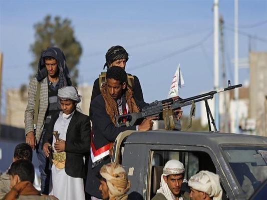 إستغلالا للهدنة.. مليشيا الحوثي تجبر سكان الحديدة على دفع مبالغ طائلة وتقصف مواقع الجيش