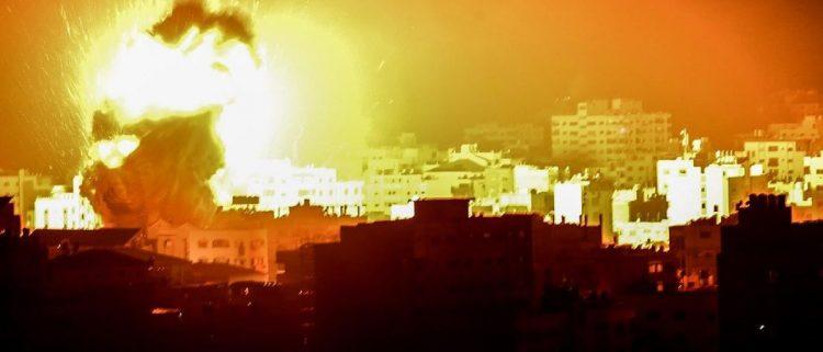 الاحتلال الاسرائيلي يعاود قصف غزة للمرة الثانية على التوالي.. والمقاومة ترد
