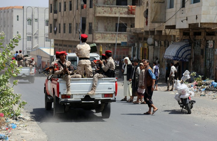 اطلقتها الحكومة الشرعية لمطاردة عناصر خارجة عن القانون.. الحملة الأمنية بتعز: لماذا تم ايقافها؟