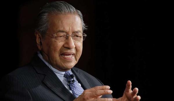 بسبب زيت النخيل.. وزير ماليزي يتهم الإتحاد الأوروبي بالمخاطرة بإشعال حرب تجارية مع بلاده