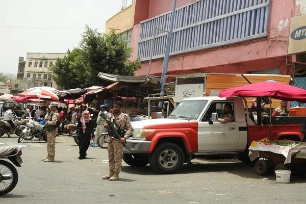 مسلحون مجهولون يهاجمون مقر الشرطة العسكرية في تعز ومقتل جنديين من الشرطة
