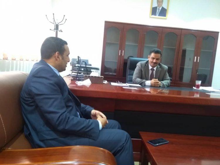 المحافظ رمزي محروس ووزير الكهرباء يناقشان آلية تعزيز وتوسعة كهرباء جزيرة سقطرى