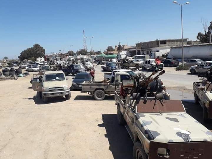 """ليبيا.. قوات حفتر المدعومة اماراتياً تتلقى هزائم ساحقة .. والثوار يأسرون العشرات وغنائم بالجملة """"صور"""""""