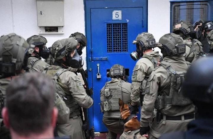 استمرار المفاوضات بين الاحتلال والأسرى لتجنب الإضراب