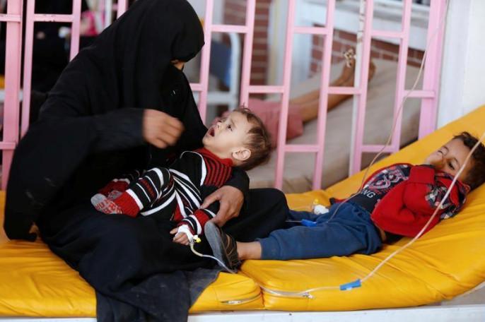 في تحقيق لها.. أسوشيتد برس تؤكد أن سبب تفشي وباء الكوليرا عرقلة الحوثيين توزيع اللقاح