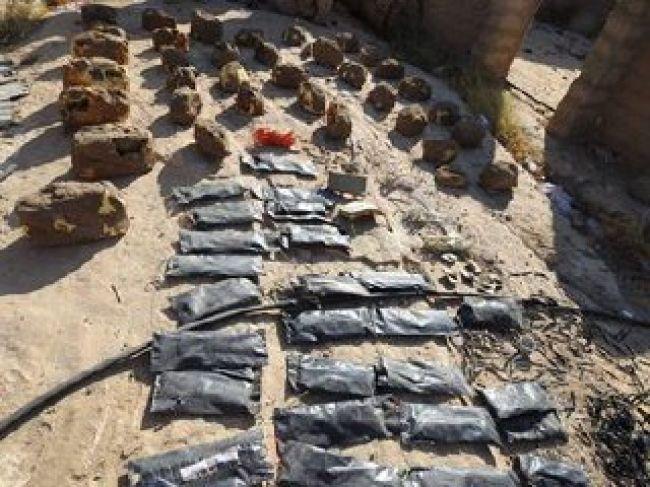 فرق الجيش الهندسية تنزع 120 لغما من قرية واحدة في مستبأ بحجة
