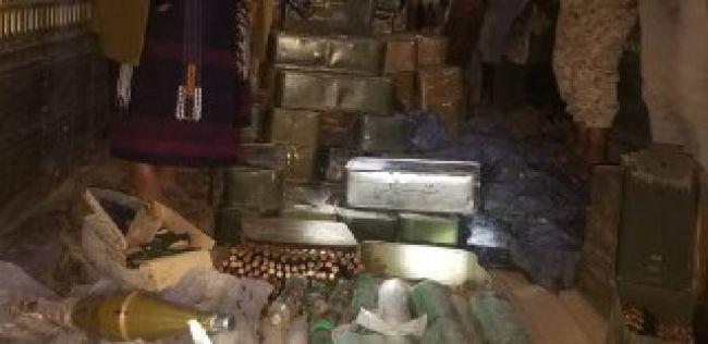 قوات الجيش تحبط محاولة تهريب شحنة سلاح كبيرة للحوثيين في تعز