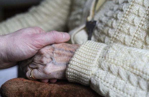 هل تعاني من مرض الزهايمر؟.. 10 أعراض تحدد الإجابة