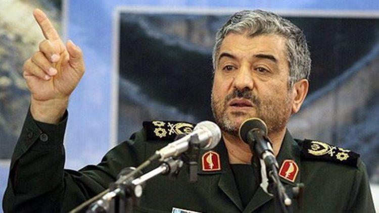 """اعتبره قرار """"مضحك"""".. قائد الحرس الثوري الايراني يسخر من القرار الأمريكي بإعلانه منظمة ارهابية"""