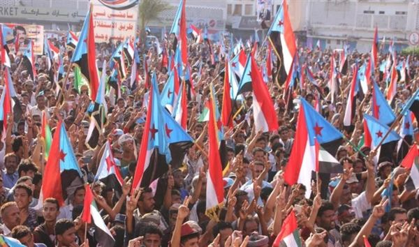 قيادي حوثي يهاجم الإنتقالي بعد فشله في تعطيل مجلس النواب ويقول: قوموا بما عليكم والباقي علينا