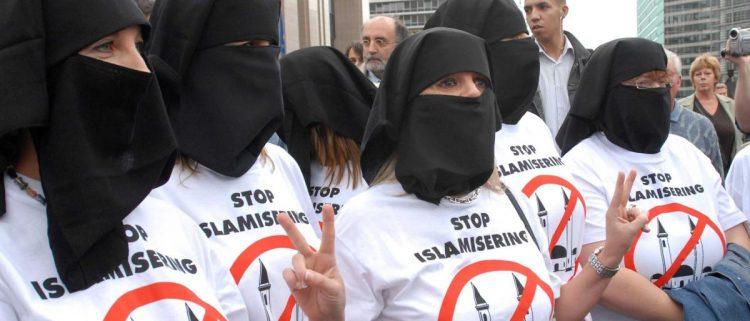 كندا.. جماعة متطرفة تشكل مليشيا إرهابية تهدف لإبادة المسلمين