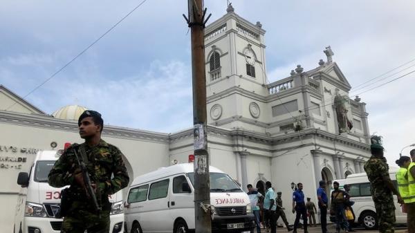 بعد 8 تفجيرات.. سيريلانكا تعلن حظر التجول وحجب مواقع التواصل الإجتماعي