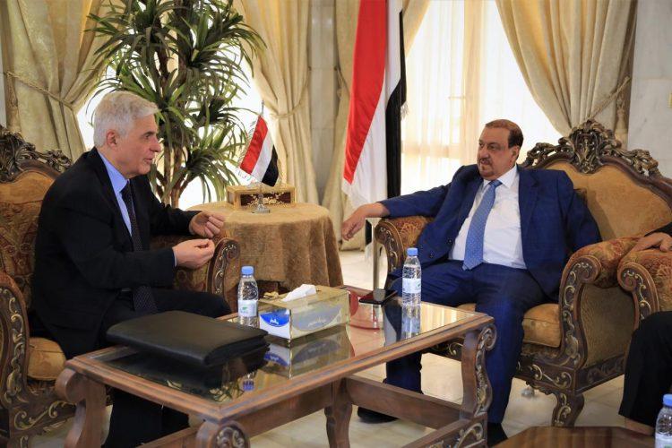 """رئيس مجلس النواب """"البركاني"""" ونوابه يلتقون السفير الروسي لدى اليمن"""