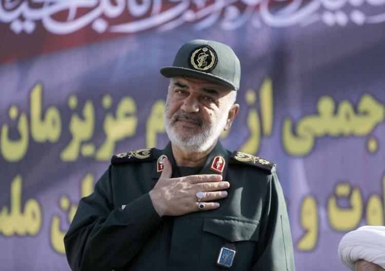 """بعد أيام من إدراجه على على قائمة الارهاب.. خامنئي يقيل قائد الحرس الثوري ليكلفه بـ""""الحرب الناعمة"""""""