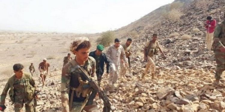 قوات الجيش تأسر المئات من عناصر المليشيا في الضالع من بينهم ضباط في الحرس الجمهوري