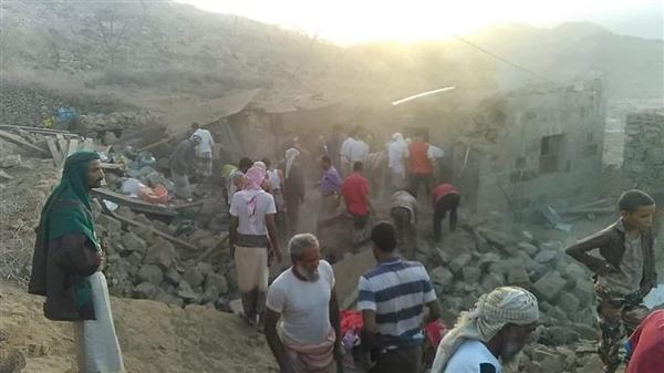 مليشيا الحوثي تقصف منازل المواطنين في تعز بصواريخ الكاتيوشا ومقتل 6 مواطنين