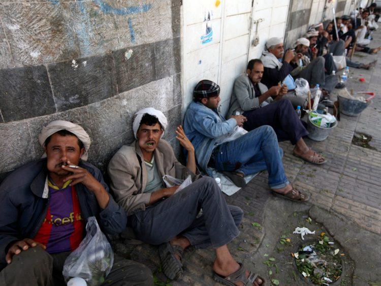 يشكل نسبة 60% من العمالة.. الكمال: الانقلاب يحرم 5 ملايين عامل يمني في القطاع الخاص من أعمالهم