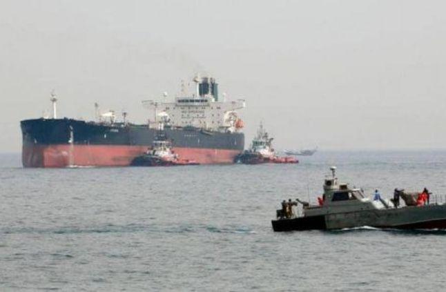 قوات حرس الحدود السعودية تنقذ ناقلة نفط إيرانية تعطلت بالقرب من ميناء جدة