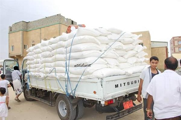 الكشف عن قيام منظمات دولية ببيع مساعدات فاسدة ومنتهية الصلاحية لتجار في عبس