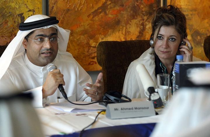 بما في ذلك احتجازه في سجن انفرادي.. بيان أممي: الناشط الإماراتي أحمد منصور يتعرض للتعذيب