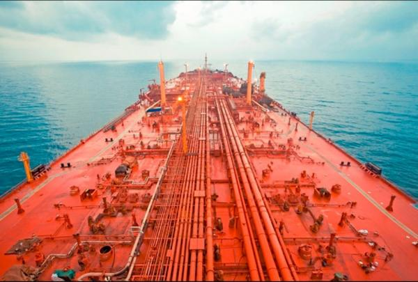 """تقرير أمريكي يكشف منع الحوثيين فريقا أمميا من الوصول إلى ناقلة النفط """"العائمة"""" في الحديدة"""