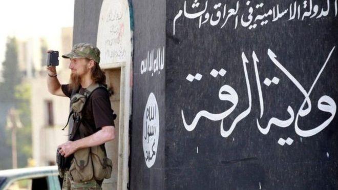 العراق.. الحكم على ثلاثة فرنسيين بعد إدانتهم بالإرهاب