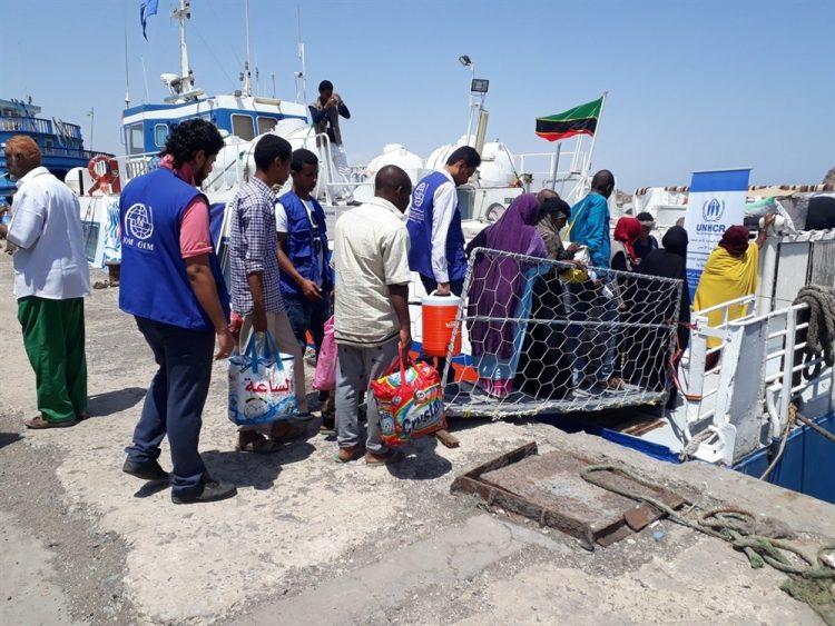 الحكومة اليمنية تعلن إجلاء 124 مهاجر غير شرعي كدفعة أولى إلى بلدانهم