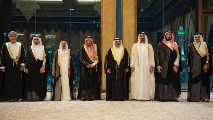 القمة الخليجية تختتم أعمالها في مكة المكرمة وتطالب المجتمع الدولي باتخاذ إجراءات حازمة لردع إيران