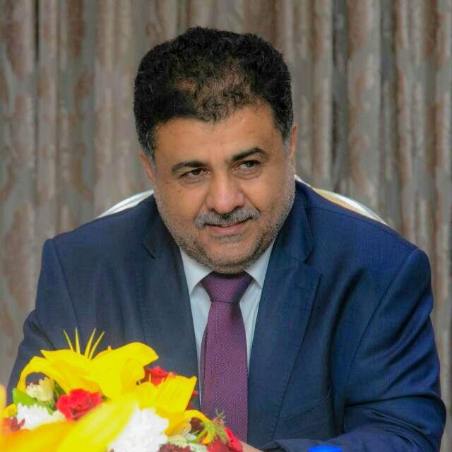 رئيس الاتحاد اليمني لكرة القدم يهنىء قيادات الأندية والاتحادات الرياضية بعيد الفطر المبارك