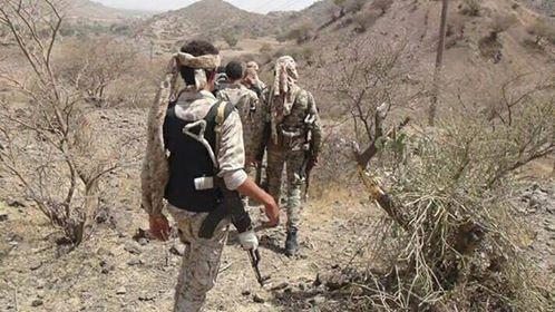 قوات الجيش الوطني تحرر مناطق في الأزارق وتقصف مواقع المليشيا في الفاخر بمحافظة الضالع