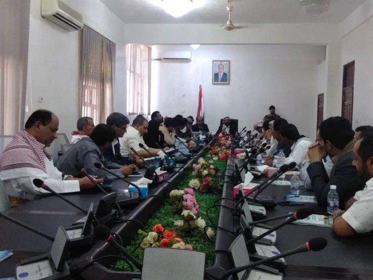 السلطة المحلية في مأرب تشكيل لجنة للتفتيش والرقابة على المنشآت الصحية والطبية