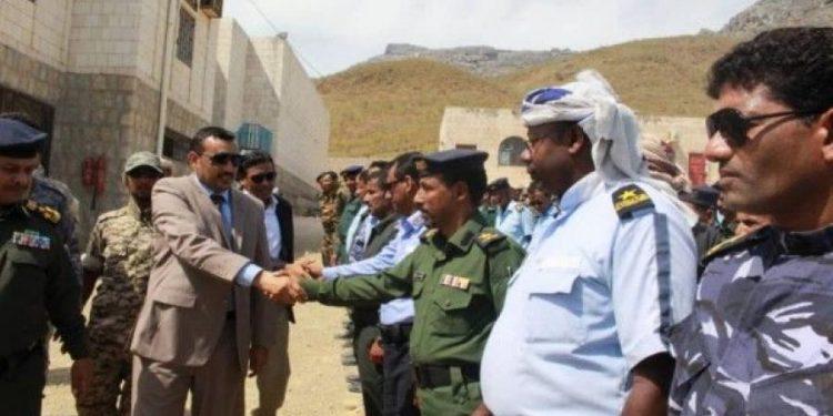 """محافظ سقطرى """"محروس"""" يتفقد الجاهزية الامنية لقوات الشرطة"""