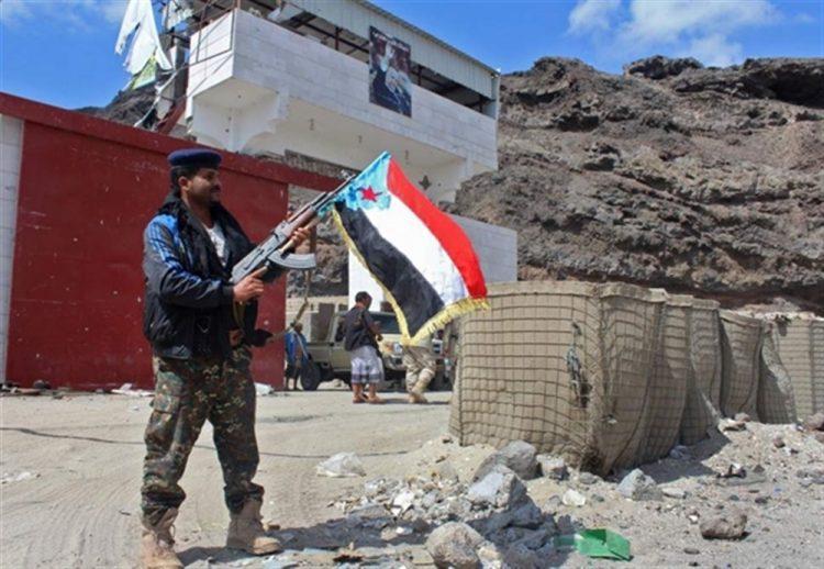 تحذيرات من انفجار الوضع عسكريا في عدن.. وزير يمني يحمل الانتقالي مسؤولية حدوث أية مواجهة