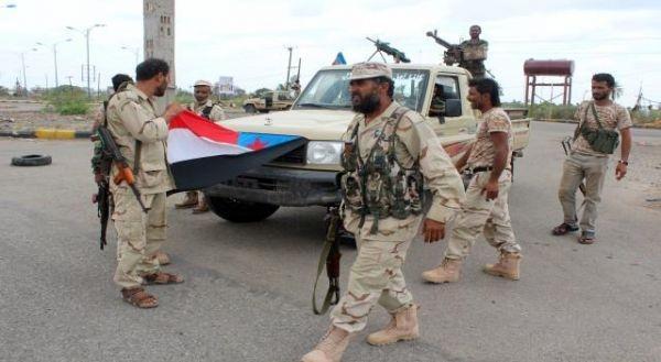 مليشيا انفصالية في سقطرى تتسلم عتاد عسكري من دولة الإمارات
