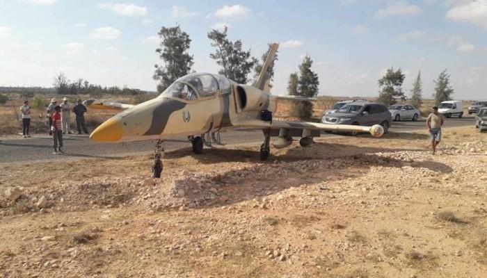كانت في مهمة قصف العاصمة طرابلس.. طائرة حربية تابعة لحفتر تهبط في تونس