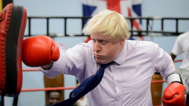 الحكومة البريطانية تفقد 9 وزراء بسبب فوز جونسون برئاستها