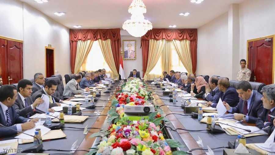 من ضمنهم وزير الخارجية.. بعد وزير الصناعة والتجارة استقاله اربعة وزراء اخرين من الحكومة