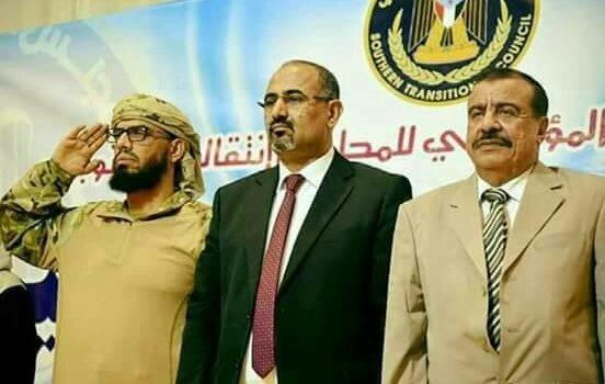 رئيس يمني سابق يظهر في مسقط يثير رعب الانتقالي
