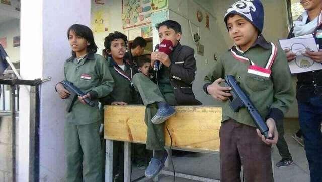 مضايقات وتعسفات حوثية مستمرة تدمر العملية التعليمية في صنعاء (تقرير)