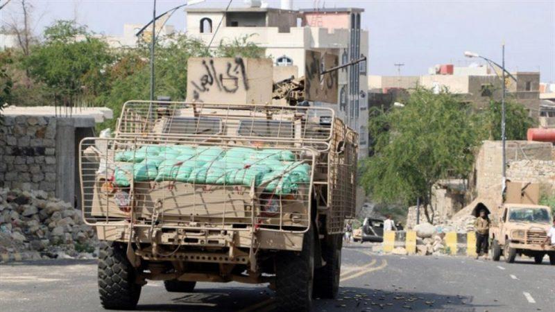 صحيفة دولية تكشف عن تحركات إماراتية لإسقاط الحكومة الشرعية في تعز