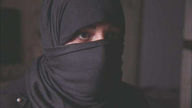 """لا تتجاوز أعمار بعضهن 12 عاما.. تحقيق """"سري"""" يكشف عن استغلال رجال دين شيعة عراقيين جنسيا نساء وبنات"""
