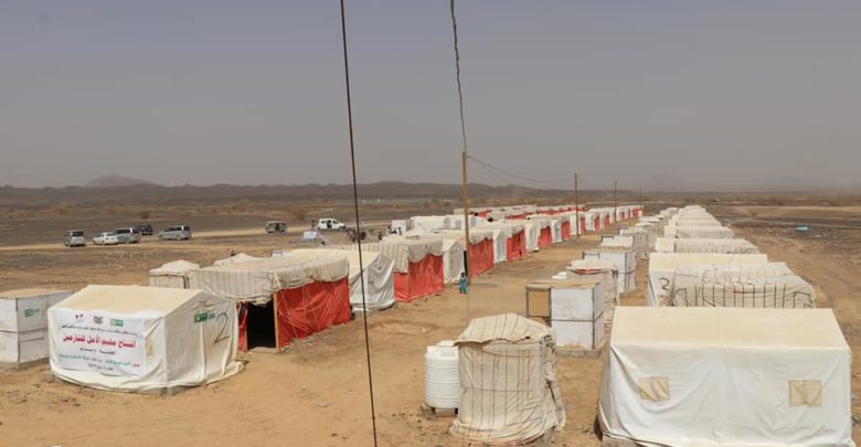 مأرب.. حريق في مخيم للنازحين يتسبب في وفاة طفلين