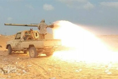 مدفعية الجيش تستهدف تعزيزات لمليشيا الحوثي غرب تعز