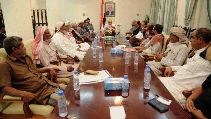 وجه بإعتماد تجنيد 500 فرد.. وزير الداخلية الميسري يلتقي مرجعيات قبائل وادي حضرموت