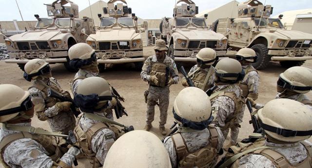 """هام.. قيادي جنوبي يكشف عدد الضباط """"الإماراتيين"""" المتبقيين في عدن والمهام التي ينفذونها"""