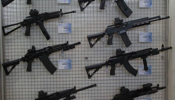 """سبوتنيك.. مصنع بندقية """"كلاشينكوف"""" الروسية في السعودية قريباً"""