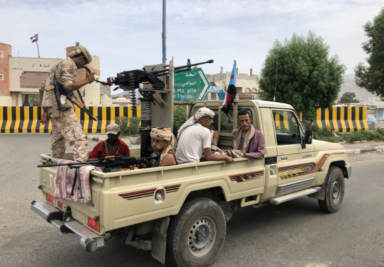المليشيا الإماراتية في عدن تداهم المنازل وتختطف المواطنين
