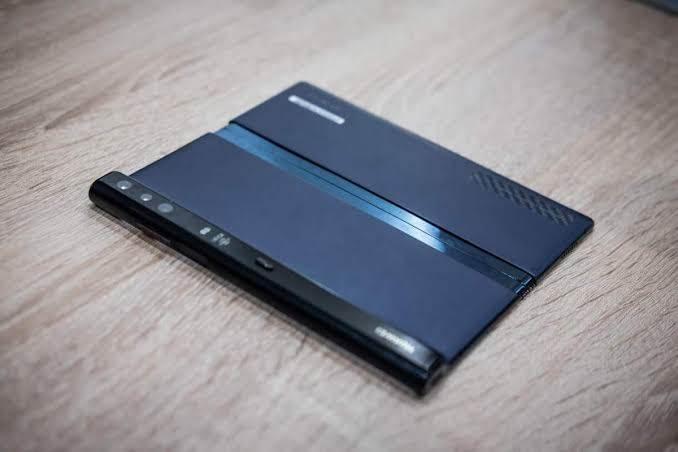 """بالصور.. شركة هواوي تطلق نسخة مطورة من هاتفها """"Mate X"""" خلال 2020"""